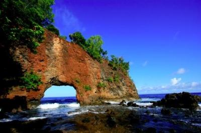 الافتتان الإندونسي - ساحل فينتو كوتا في أمبون