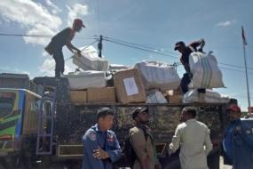 8 Tonnen Hilfeleistungen  von Bezirksregierung Mimika  für die Sturzflutopfer in Jayapura