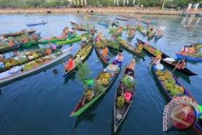Der  schwimmende Markt  des Volksstammes Bajo