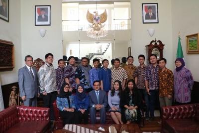 大使: 印尼辩论队,在墨西哥吹嘘的