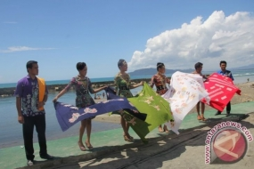 印尼美丽:巴布亚的Hamadi 海滩