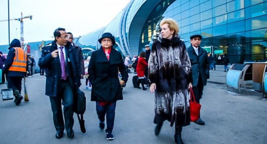 FM Retno Marsudi arrived in Moscow, accompanied by Ambassador Wahid Supriyadi and Russian Official