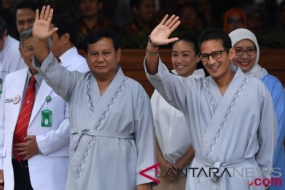 Presidential and Vice Presidential Candidates Prabowo Subianto-Sandiaga Uno Undergo Medical Tests